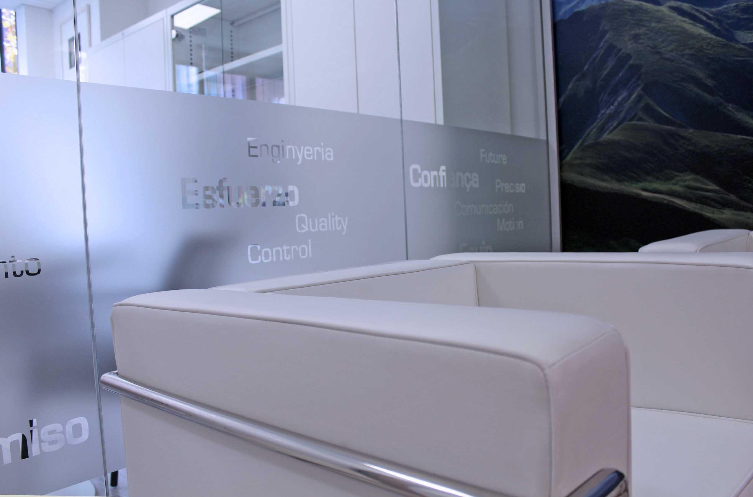 personalizacion-oficinas-vinilos